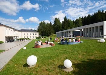 staatliche-studienakademie-breitenbrunn.jpg